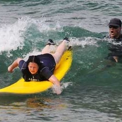 aloha-surf-lessons-instructor-2