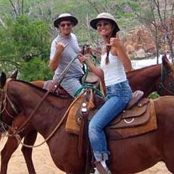 cjm-stables-kauai-horseback-riding-kevin-and-ayumi
