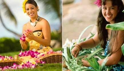 'Paradise Cove Luau lei making' from the web at 'http://adventureinhawaii.com/site/wp-content/uploads/2014/03/paradise-cove-luau-4.jpg'