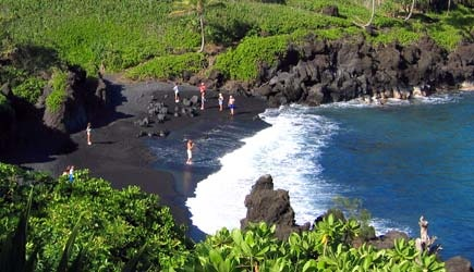 Black sand beach at Waianapapa