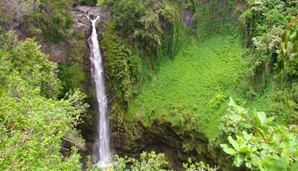 hana waterfall hike