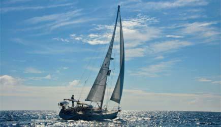 makai-adventures-sailing